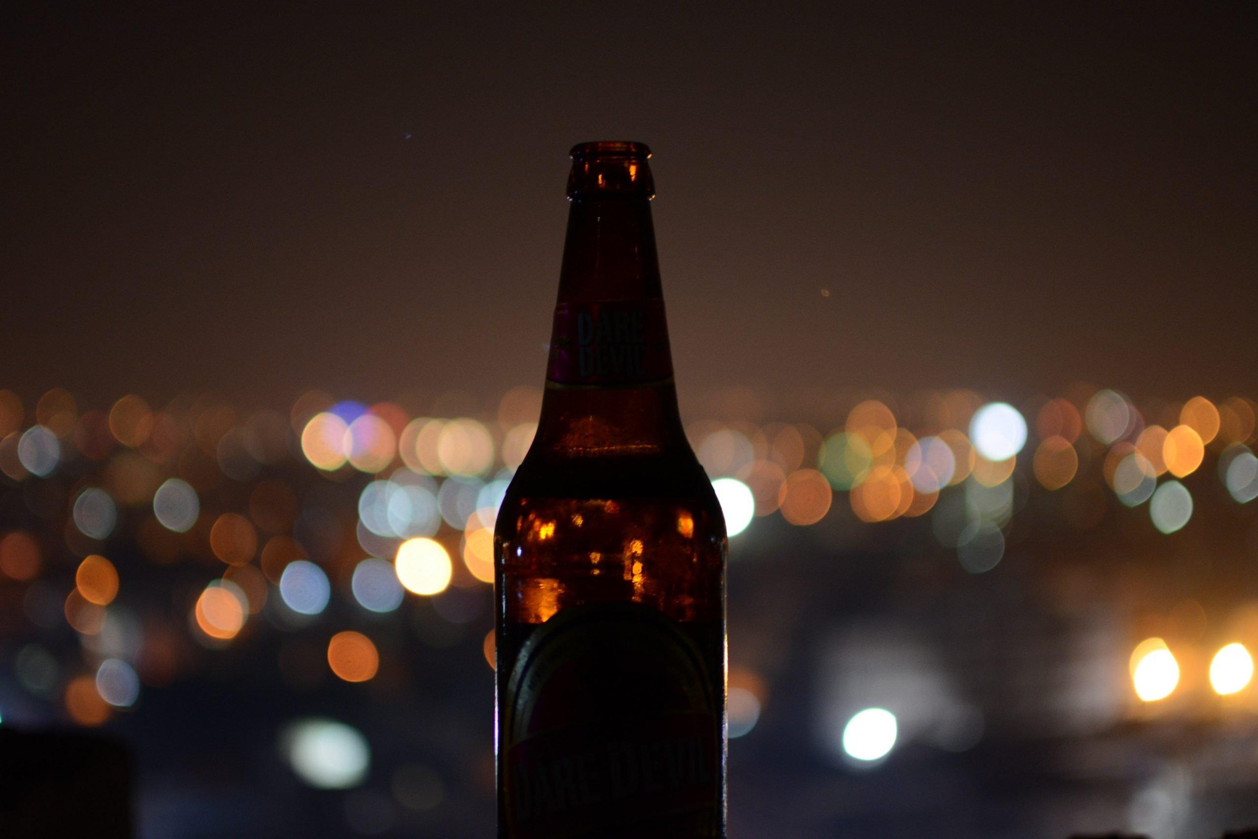 bottiglia birra senza etichetta